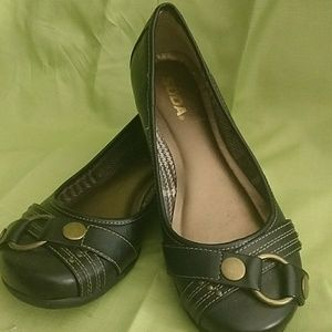 Adorable SODA brand dark brown slip ons